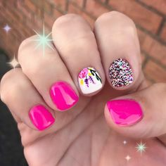 Great Classy Short Nails Art Designs Great ready to book your next manicure, because thi Orange Nail Designs, Flower Nail Designs, Short Nail Designs, Cute Nail Designs, Spring Nail Art, Spring Nails, Nails Gelish, Shellac Nail Art, Matte Nails