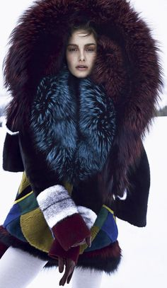 Nadire Atas on Fashionista At Large Ophelie Guillermand for Harpers Bazaar US October 2014 Fur Fashion, Look Fashion, Fashion Bags, Winter Fashion, Daily Fashion, Street Fashion, Womens Fashion, Fashion Design, Fabulous Furs