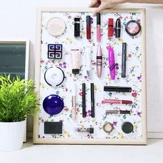 DIY Magnetic Makeup Board - Wholesome Health Tips Magnetic Makeup Board, Beauty Hacks Nails, Small Study, Budget Template, Room Setup, Healthy Meals For Two, Casino Theme Parties, Diy Makeup, Diy Videos