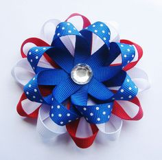 4th of july @Traci Cameron  This was the bow I was talking about with the ribbon.