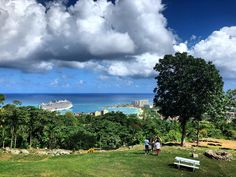 Ya man. 🇯🇲 • #OchoRios #Jamaica #hill #bluesea #chill #peace #yaman #noproblem #travelgram #landscape #potd Jamaica, Chill, Ocho Rios, Man, Golf Courses, Dolores Park, Landscape, Places, Travel