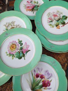 Belles assiettes à dessert Decorative Plates, Tables, Dessert, Tableware, Kitchen, Home Decor, Dinner Plates, Mesas, Dinnerware