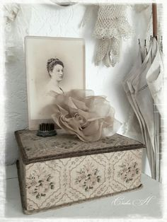 Shabby Boxes, Vintage Style, Vintage Fashion, Blue Grey, Gray, Shabby Chic Crafts, Fabric Boxes, French Fabric, Shades Of Grey