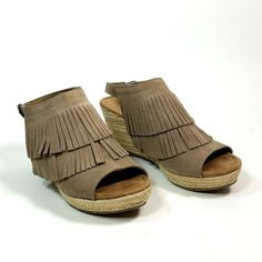 9d1f1f727f1db2 Minnetonka Wedge Sandals Womens 9 Taupe Leather Fringe Cork Heels Summer  Shoes