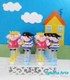 Dedoche Peppa Pig | Pekena Arte | 3BACB2 - Elo7 Cumple George Pig, Peppa E George, Familia Peppa Pig, Aniversario Peppa Pig, Pig Party, Three Little Pigs, Rose Decor, Hand Puppets, So Little Time