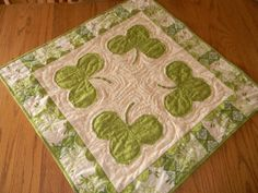 Free Quilt Pattern: St. Patrick's Day Table Topper - I Sew Free