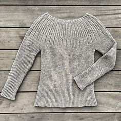 The Bellis Rib is a simple and classic ribbed sweater.