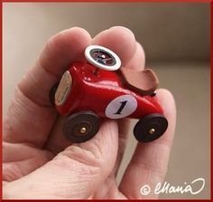 toy car made of fimo - tutorial WHAT ABOUT FASHIONING THIS INTO A BUSINESS CARD HOLDER AND/OR PEN HOLDER FOR RON