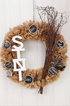 Xmas Holidays, Grapevine Wreath, Diys, December, Wreaths, Seasons, Christmas Ornaments, Halloween, Winter