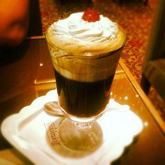 Lindo, né? É o nosso Irish Coffee. :) #Tortarelli