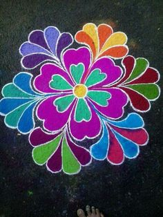 Rangoli Designs Peacock, Easy Rangoli Designs Diwali, Rangoli Simple, Simple Rangoli Designs Images, Rangoli Designs Latest, Free Hand Rangoli Design, Small Rangoli Design, Rangoli Patterns, Rangoli Ideas