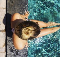 6 Swimming Hairstyles For Long Hair That Are Actually Attainable