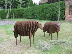 Metal Art: Sheep by Patricia Suer  http://www.facebook.com/TheaterSuer