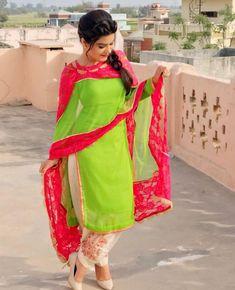 Designer Punjabi Suits Patiala, Latest Punjabi Suits, Punjabi Suits Designer Boutique, Indian Designer Suits, Indian Salwar Kameez, Latest Dress Design, Stylish Dress Designs, Kaur B Suits, Designer Party Wear Dresses