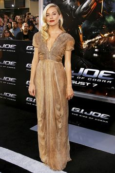 Sienna Miller channeled Old Hollywood glamour in this shimmering champagne-colored gown at  the LA premiere of G.I. Joe: The Rise Of Cobra
