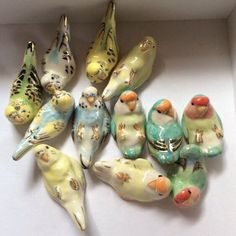 Ceramic birds with gold Ceramic Birds, Ceramic Animals, Ceramic Pottery, Ceramic Art, Ceramic Figures, Arte Fashion, Do It Yourself Inspiration, Sculptures Céramiques, Budgies