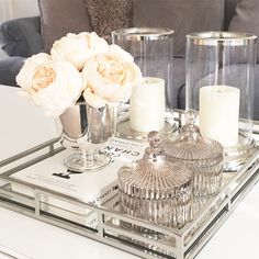 Every detail counts when decorating your home. More about pulling - When decorating your home, every detail counts. More about drawing living room table decor – Livi - Coffee Table Styling, Decorating Coffee Tables, Living Room Designs, Living Room Decor, Living Rooms, Coffee Table Decor Living Room, Coffee Table Tray Decor, Decoration Table, Bench Decor