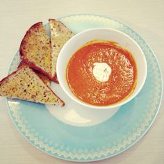 love and ginger - tomato & red lentil soup
