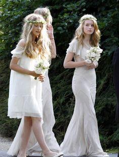 Lottie Moss au mariage de Kate Moss et Jamie Hince http://www.vogue.fr/mariage/inspirations/diaporama/demoiselles-dhonneur-clbres/20251/carrousel#lottie-moss-au-mariage-de-kate-moss-et-jamie-hince