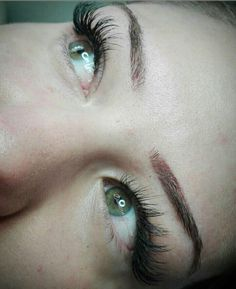 """6 """"Μου αρέσει!"""", 1 σχόλια - Dimitra Gkouzou (@dimitra.gkouzou) στο Instagram: """"Βλεφαρίδες εξτένσιον . . . . #nailsfoils #permanentmakeup #hairstroking #eyebrows #eyebrowshaping…"""""""
