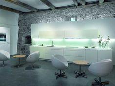 Moderne Küche mit Lichtelementen