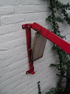 Houtklover aan de muur Kindling Splitter, Splitting Wood, Homemade Tools, Home Hacks, Firewood, Metal Working, Woodworking, Backyard, Fire Places