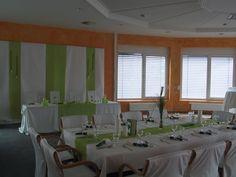 Der Brauttisch Das Flair Hotel Roger ist Ihre Location in Heilbronn wenn es um Ihre romantische und harmonische Hochzeit geht. Wir verfügen über ein schönes und herzliches Ambiente wo sie sich mit Ihrer Hochzeit geborgen fühlen. Bereits vom ersten Gespräch an erfahren Sie eine freundliche und kompetente Beratung, für Ihre Hochzeit in Heilbronn, egal ob es eine freie Trauung im grünen oder die klassische Kirchliche Trauung sein soll. http://landgasthof-roger.de/feiern/hochzeit/