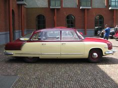 Tatra 603 Retro Cars, Vintage Cars, Antique Cars, Peugeot, Jaguar, Europe Car, Miniature Cars, Automotive Design, Motor Car