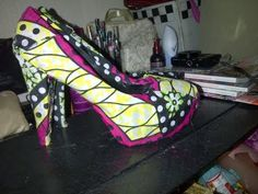 Quick Tutorial on how to do Printed shoes.    Glue Gun:  http://www.ebay.co.uk/itm/TRIGGER-ELECTRIC-HOT-MELT-GLUE-GUN-PLUS-50-ADHESIVE-STICKS-FOR-HOBBY-CRAFT-MINI-/360463037111?pt=UK_Crafts_Cardmaking_Scrapbooking_Glue_Tape_EH=item53ed4572b7#ht_1175wt_1271    MOD PODGE:  http://www.ebay.co.uk/itm/MOD-PODGE-FINISH-GLUE-ADHESIVE-SEALER-DECOUPAGE-MA...