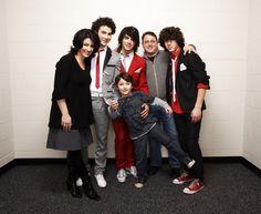 Aww Jonas family