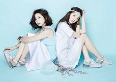 New Balance cherry blossom Korean Actresses, Korean Actors, Actors & Actresses, Park Soo Jin, Chin Length Hair, Wavy Bobs, Korean Star, Fashion Poses, Korea Fashion