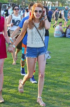 Emma Roberts Photos - Celebrities at Day 1 of first weekend of The Coachella Valley Music and Arts Festival in Coachella, California on April Pictured: Emma Roberts - Coachella Music Festival - Day 1 Coachella 2016, Vanessa Hudgens, Kylie Jenner, Coachella Celebrities, Emma Roberts Style, Moda Hippie, Girls With Red Hair, Hair Girls, Festival Looks