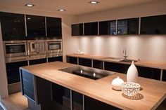 Black gloss kitchen oak worktop