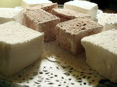 Homemade Marshmallows - Hmmmm... may have to try this.