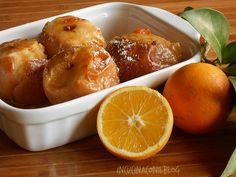 Le mele cotte al forno sono un delizioso dessert semplice, veloce e leggero. Le ho chiamate MELE AL FORNO DI NONNA RITA per il sapore che profuma e ricorda la mia infanzia con mia nonna. Sicuramente da provare perchè sono deliziose. Apple Recipes, Sweet Recipes, Plum Cake, Beautiful Fruits, Just Cooking, Antipasto, Light Recipes, Pretzel Bites, Vegan Gluten Free