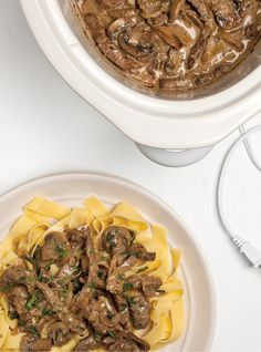 Enjoyable slow cooker recipes for beef roast only in i-healthy recipes ideas Slow Cooker Beef Stroganoff Recipe, Healthy Beef Stroganoff, Homemade Beef Stroganoff, Slow Cooker Recipes, Crockpot Recipes, Cooking Recipes, Mushroom Stroganoff, Healthy Recipes, Slow Cooking