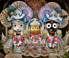 Radha Krishna Love, Shree Krishna, Lord Krishna, Indian Gods, Indian Art, Rath Yatra, Lord Jagannath, Anniversary Scrapbook, Baba Image