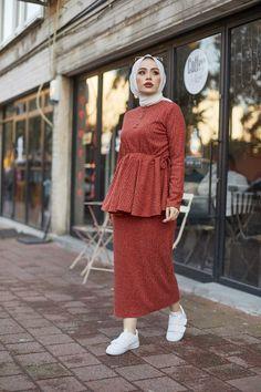 Eliza Moda Tesettur Buzgulu Etekli Takim Modelleri Moda Tesettur Giyim 2020 Moda Moda Stilleri Giyim