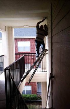 18 Most Dangerous Crazy Construction Jobs (someone call OSHA)