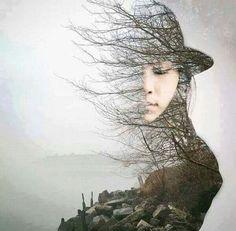 """""""A vida é uma viagem experimental, feita involuntariamente. É uma viagem do espírito através da matéria, e, como é o espírito que viaja, é nele que se vive"""".  Fernando Pessoa"""