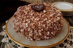 La torta noccio crock è una torta versatile:divorata dai bambini per la presenza del cioccolato croccante al riso soffiato e dai grandi per la delicatezza