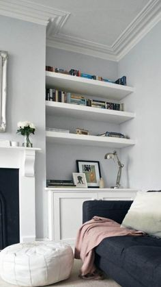 Home decorating ideas living room grey walls, white details, victorian living room – awesome home design ideas and decor New Living Room, Living Room Interior, Home And Living, Living Spaces, Modern Living, Small Living, Diy Interior, Cozy Living, Living Room Decor Black Sofa