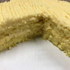 Maroela Media-leser Gerrit Steyn het hierdie maklike resep ingestuur. Hy sê die koek is heerlik en klam. Microwave Cake, Microwave Recipes, Baking Recipes, Tart Recipes, Pudding Recipes, Cheesecake Recipes, Big Cakes, Sweet Tarts, Something Sweet