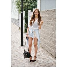 879f2676a06 Fashionable and Feminine Outfit Ideas with Crochet Shorts - Pretty Designs
