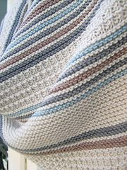 Double You has been created in collaboration with the parisian yarn shop Lil Weasel. baby blanket yarn patterns knitting how to crochet Double You (W) Crochet Blanket Patterns, Baby Blanket Crochet, Baby Knitting Patterns, Crochet Yarn, Free Knitting, Blanket Yarn, Double Knitting, Knitting Ideas, Bernat Softee Chunky Yarn