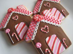 Pink Christmas Gingerbread House Cookies | #christmas #xmas #holiday #food #desserts