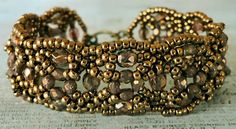 Linda's Crafty Inspirations: Beadwork Challenge: Aisling Bracelet update