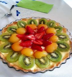 Tarte avec 3 fruits – Kiwi abricot fraise. Chicken Burrito Bowl, Chicken Burritos, Healthy Fruits, Healthy Drinks, Healthy Recipes, Tarte Aux Kiwis, Appetizer Recipes, Appetizers, Bean Burritos