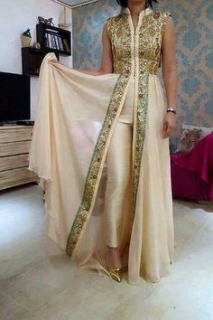 This is a beautiful Moroccan caftan! Love the little bit of collarbone showing & the flowy-ness of the bottom. African Wedding Dress, African Print Dresses, African Print Fashion, Africa Fashion, African Dress, Indian Fashion, Womens Fashion, Muslim Fashion, Ghanaian Fashion