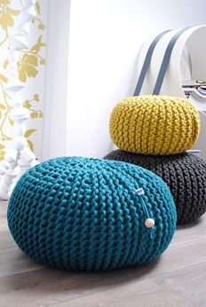 pouf h keln oder stricken my blog. Black Bedroom Furniture Sets. Home Design Ideas
